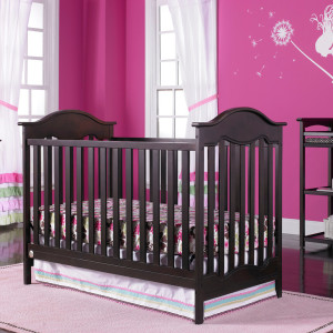 Fisher Price Charlotte Traditional Crib In Snow White Kids