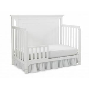 Ti Amo Carino Convertible Crib in Snow White daybed solo