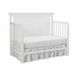 Ti Amo Carino Convertible Crib in Snow White toddler bed solo