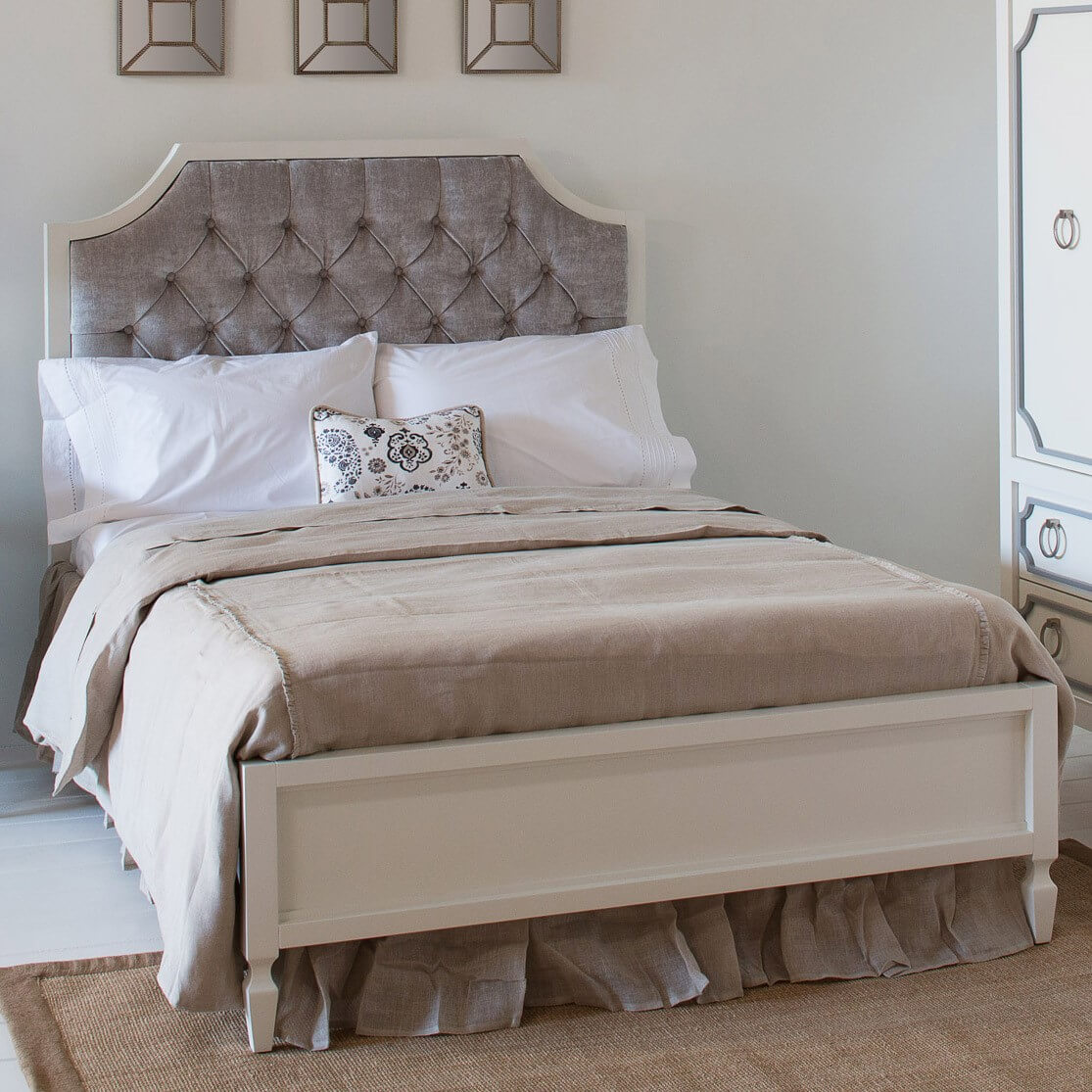 Newport Cottages Beverly Bed With Tufted Panel