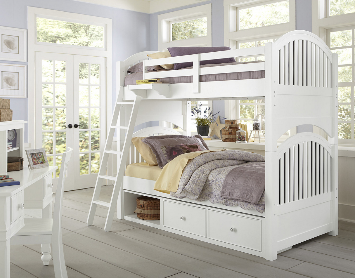 Beach House Twin Over Round Panel Bunk Bed In White Finish