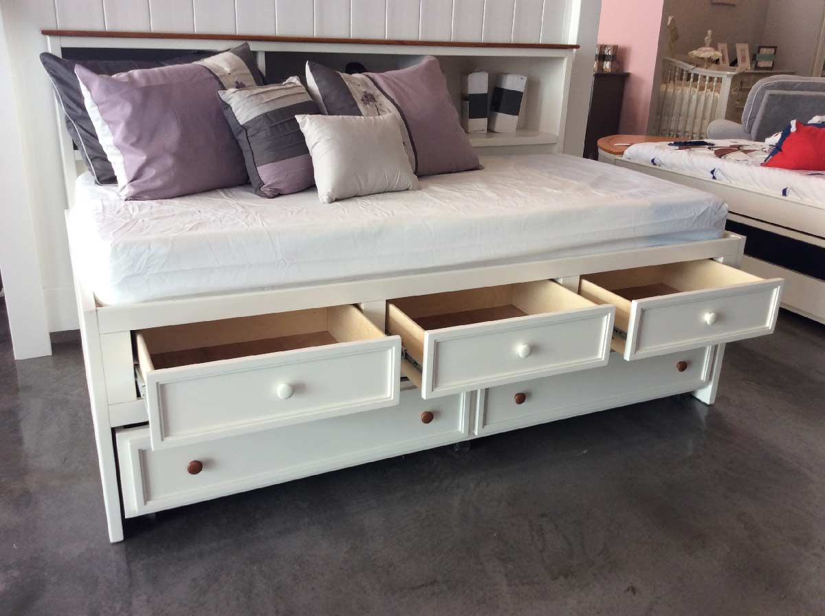 Hampton Captains Lounge Bed W Drawers Kids Furniture In Los Angeles