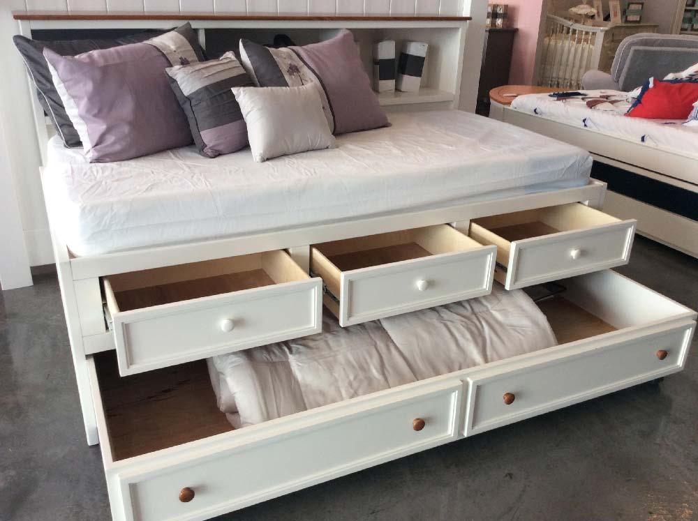 Hampton Captains Lounge Bed W Drawers Kids Furniture In