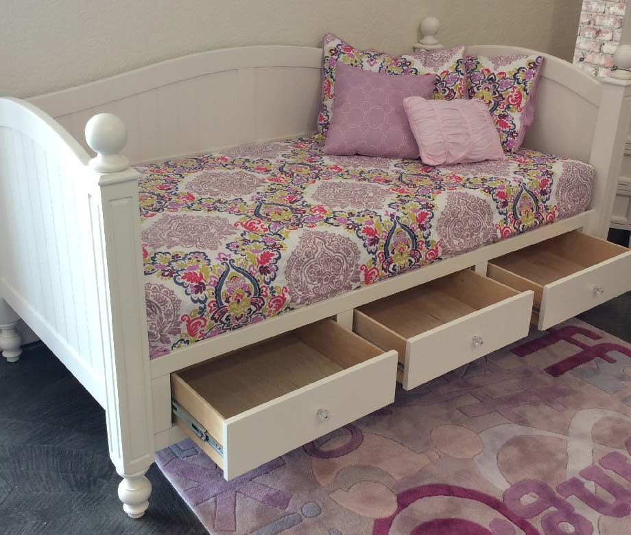 Nightstands For Beds With Drawers