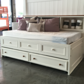 Hampton Captains Lounge Bed W/Drawers