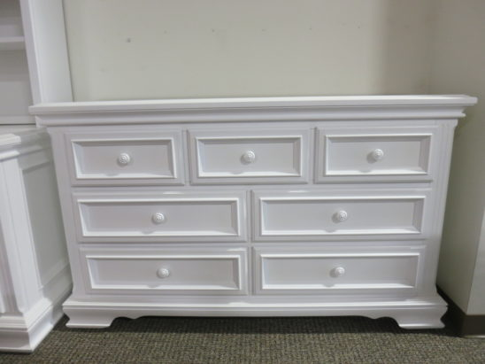country hill 7 drawer double dresser in white