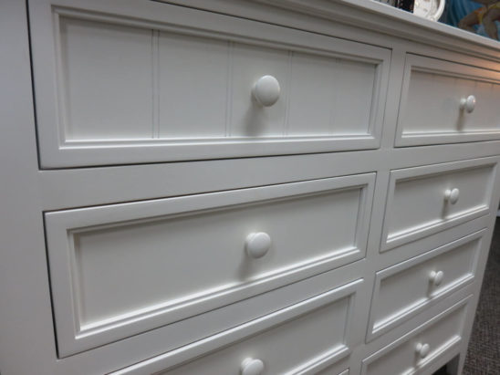 deluxe 8 drawer dresser detail
