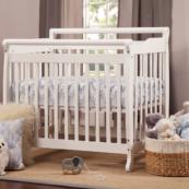 lily mini crib in white