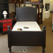 Kenmare round top 4 poster twin bed