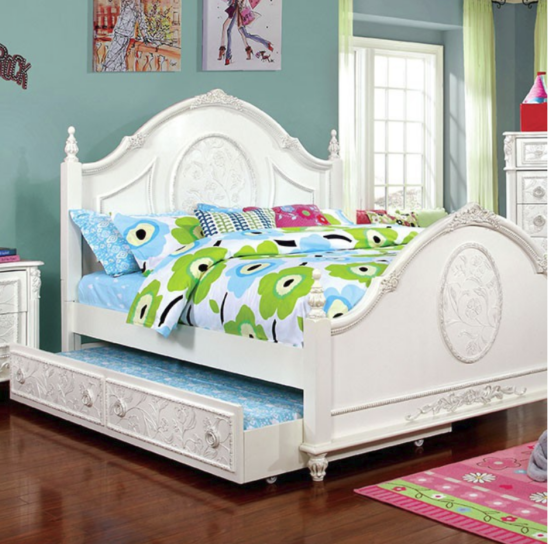 Hanrietta Poster Bed with Optional Trundle in Off-White