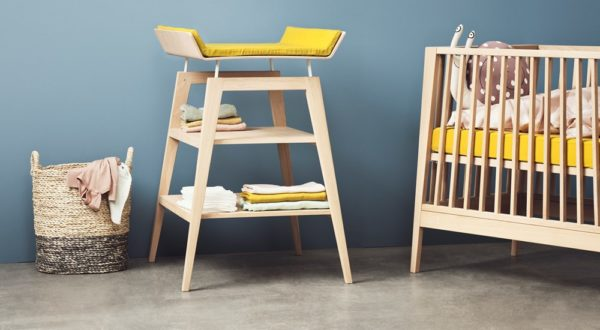 Leander Changing Table in Natural
