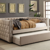 Anne Twin Size Daybed in Ivory Room Photo