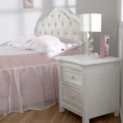 Cristallo Nightstand in Vintage White