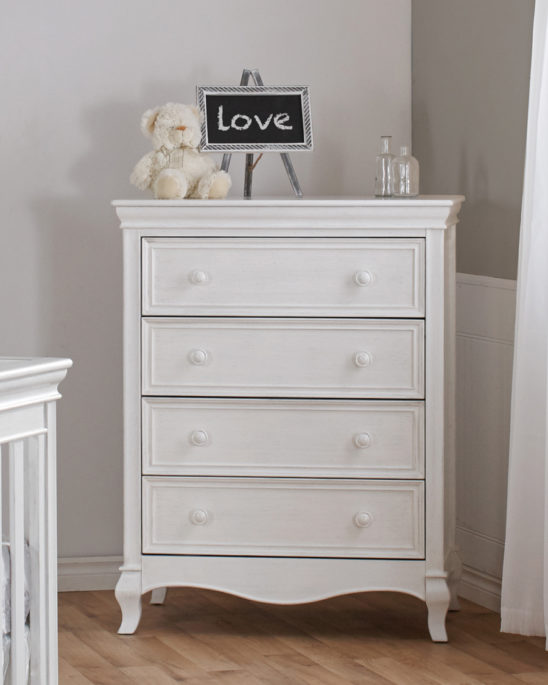 Diamante 4 Drawer Chest in Vintage White